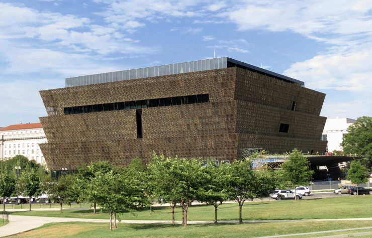 Le « Smithsonian National Museum of African American History and Culture » d'Adjaye Associates.