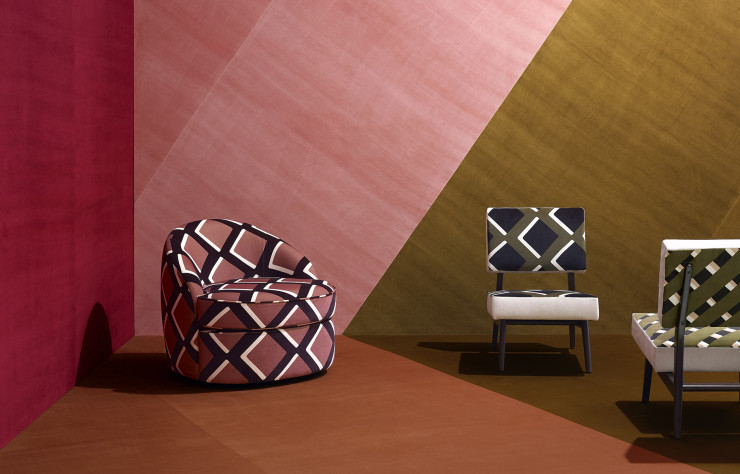 Chez Pierre Frey, India Mahdavi signe la collection True Velvet.
