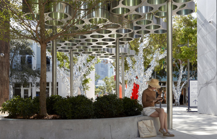 Permanente, cette pergola apportera de la fraîcheur au cœur du Design District de Miami.