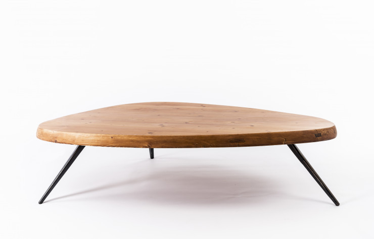 Charlotte Perriand, table basse Forme Libre (1959).