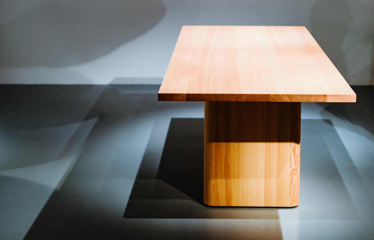 Table « Halfway Round ».