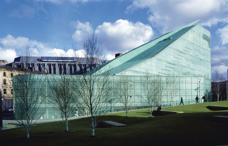Urbis (National Football Museum) de SimpsonHaugh (2002).