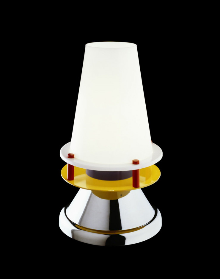 Lampe de table Bordeaux (1986) de Nathalie du Pasquier. Collection « Memphis Milano ».