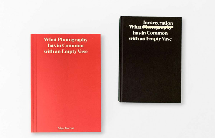 > What Photography & Incarceration has in Common with an Empty Vase, d'Edgar Martins, en anglais, The Moth House, 220 p. et 312 p., 67 € les deux.