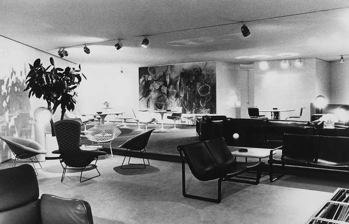 Le showroom parisien de Knoll (1976).
