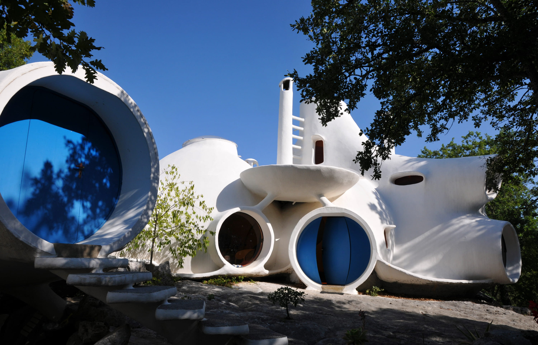 Maisons bulles le concepteur des antti lovag nuest plus for Maison en bulle